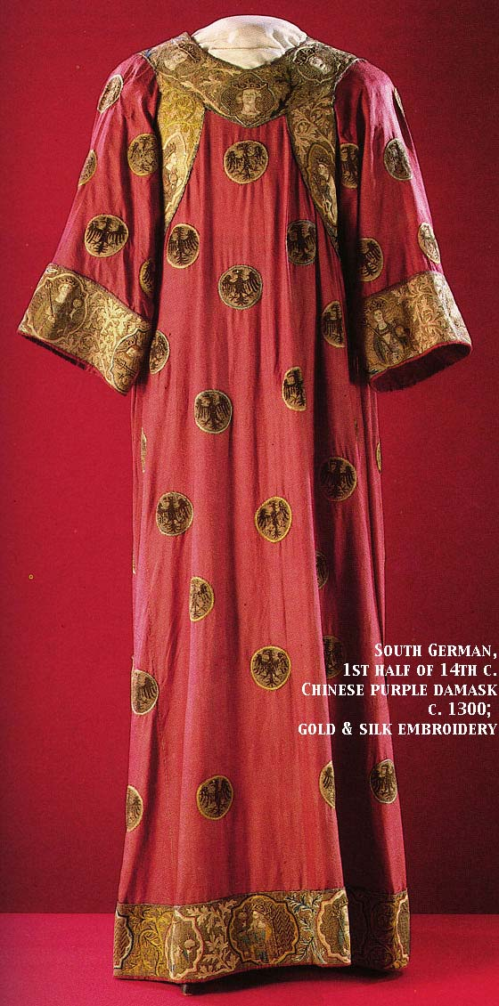 http://www.virtue.to/articles/images/1300s_real_dalmatic_lg.jpg